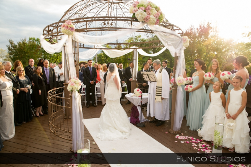 Vanderbilt South Beach Wedding Party Photo Staten Island Outdoor Ceremony Picture