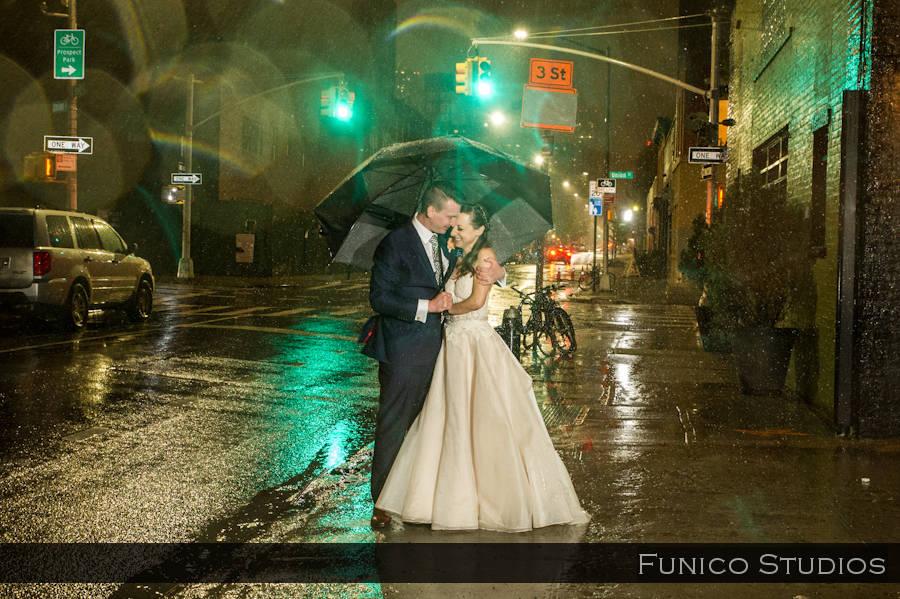green-building-wedding-photo